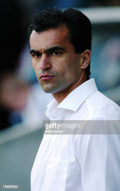 Roberto Martinez Swansea City manager in action during the Coca Cola League One match between Swansea City and Northampton Town on March 24 2007 in...