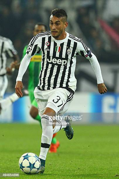 Roberto Maximiliano Pereyra of Juventus FC in action during the UEFA Champions League group stage match between Juventus and VfL Borussia...