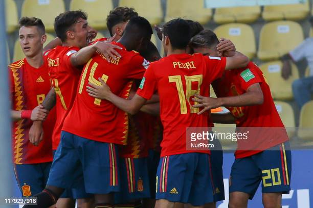 Roberto Navarro of Spain celebrates with a teammates after scoring a gol during the FIFA U17 World Cup Brazil 2019 group E match between Spain and...
