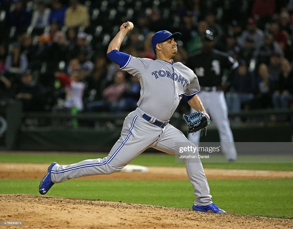 Roberto Osuna #54 of the Toronto Blue Jays pitches in the 9th inning against the Chicago White Sox at U.S. Cellular Field on July 7, 2015 in Chicago, Illinois. The Blue Jays defeated the White Sox 2-1.