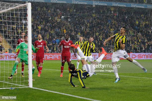 Roberto Soldado of Fenerbahce scores the third goal to make it 2-1 during the Turkish Super lig match between Fenerbahce v Sivasspor at the Sukru...