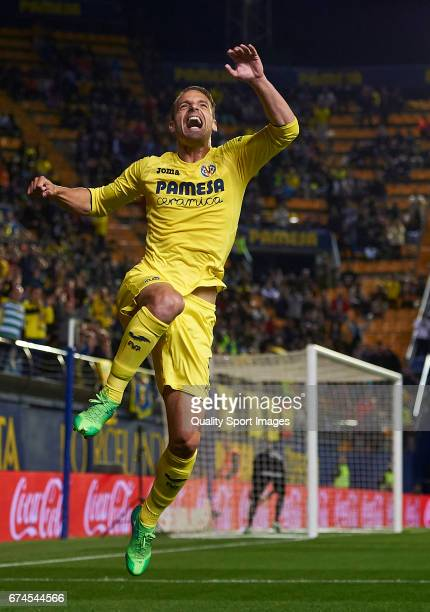 Roberto Soldado of Villarreal celebrates after scoring the first goal during the La Liga match between Villarreal CF and Real Sporting de Gijon at...