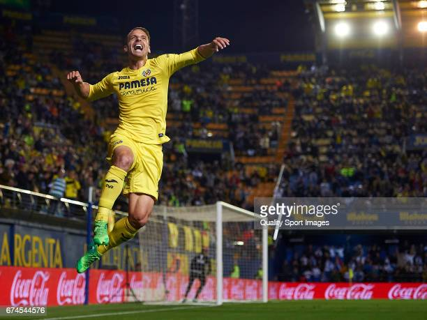 Roberto Soldado of Villarreal celebrates after scoring the first goal during the La Liga match between Villarreal CF and Real Sporting de Gijon at...