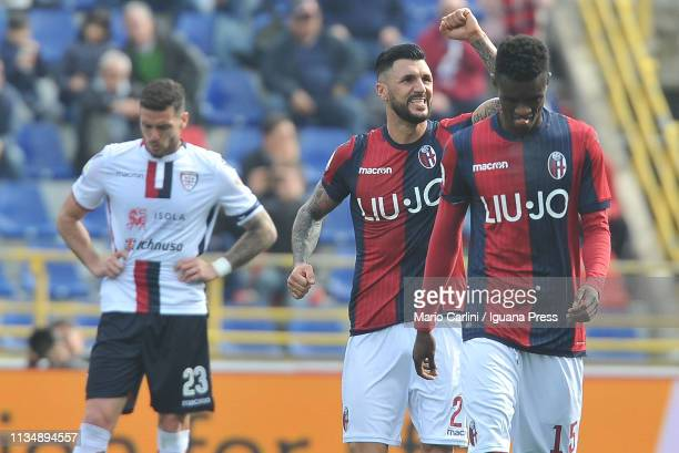 Roberto Soriano of Bologna FC celebrates after scoring his team's second goal during the Serie A match between Bologna FC and Cagliari at Stadio...