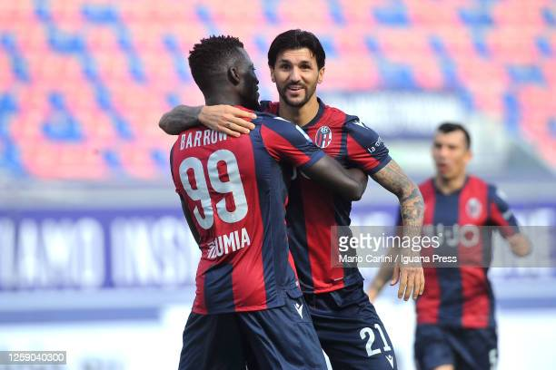 Roberto Soriano of Bologna FC celebrates after scoring his team's second goal during the Serie A match between Bologna FC and US Lecce at Stadio...