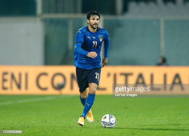 Roberto Soriano of Italy controls the ball during the International Friendly match between Italy and Estonia at Stadio Artemio Franchi on November...