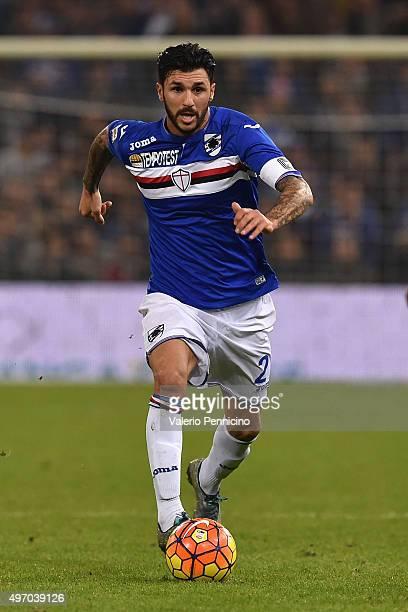 Roberto Soriano of UC Sampdoria in action during the Serie A match between UC Sampdoria and ACF Fiorentina at Stadio Luigi Ferraris on November 8...