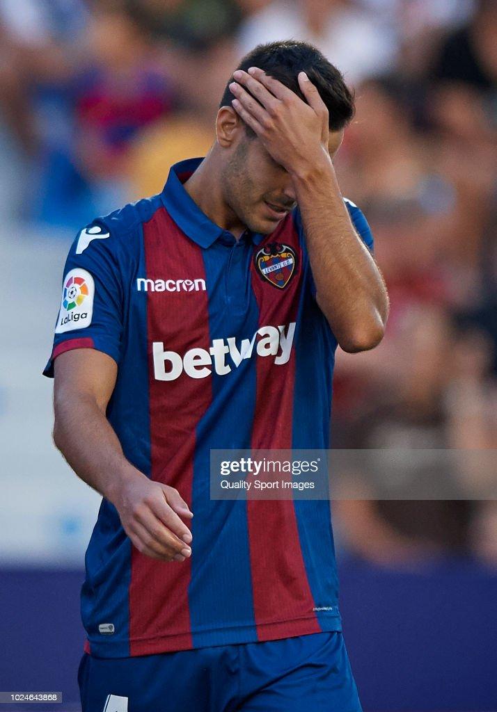 Roberto Suarez Pier of Levante reacts during the La Liga match between Levante UD and RC Celta de Vigo at Ciutat de Valencia on August 27, 2018 in Valencia, Spain.