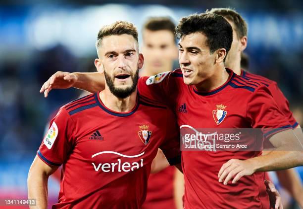Roberto Torres of CA Osasuna celebrates after scoring his team's second goal during the La Liga Santander match between Deportivo Alaves and CA...
