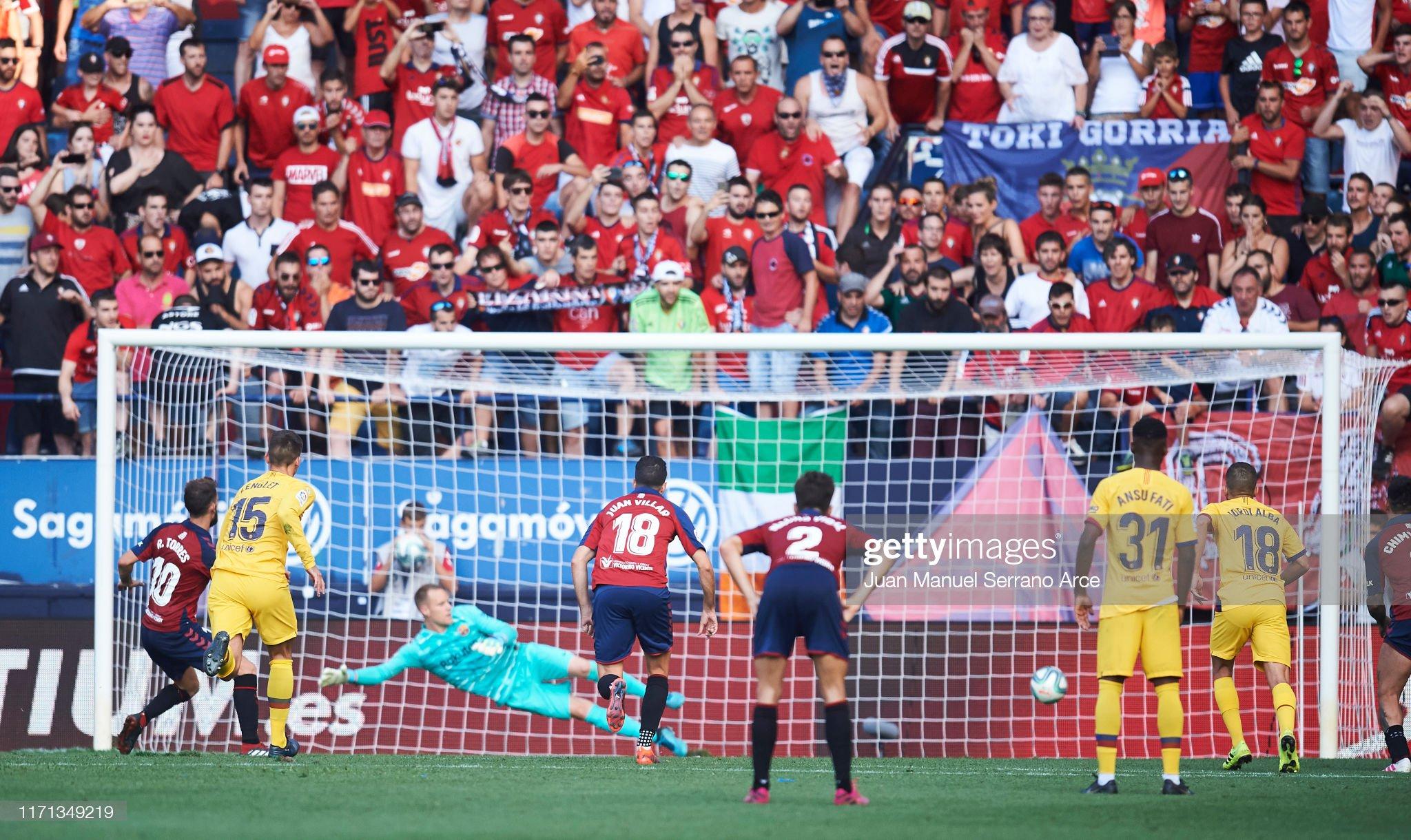 صور مباراة : أوساسونا - برشلونة 2-2 ( 31-08-2019 )  Roberto-torres-of-ca-osasuna-scores-his-teams-second-goal-during-the-picture-id1171349219?s=2048x2048