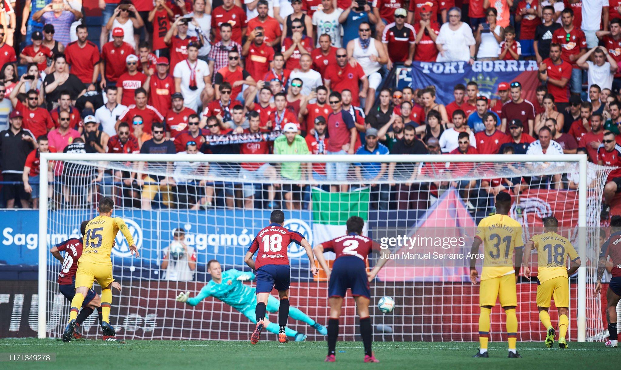 صور مباراة : أوساسونا - برشلونة 2-2 ( 31-08-2019 )  Roberto-torres-of-ca-osasuna-scores-his-teams-second-goal-during-the-picture-id1171349278?s=2048x2048