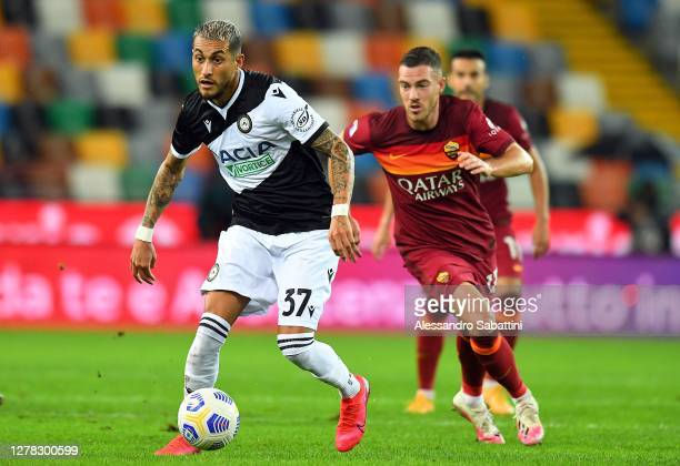 Robertp Pereyra of Udinese Calcio in action during the Serie A match between Udinese Calcio and AS Roma at Dacia Arena on October 03, 2020 in Udine,...