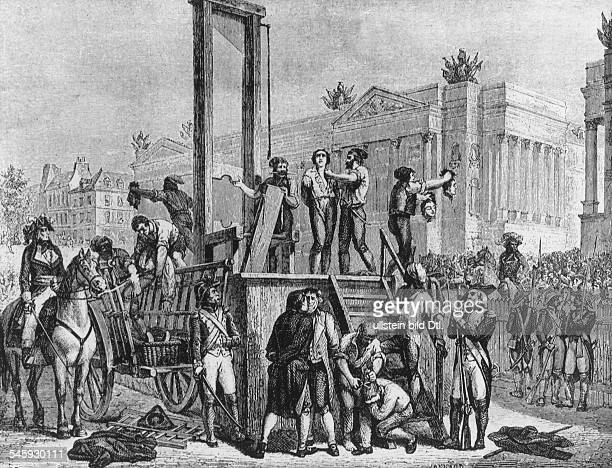 Robespierre's fall on 0727 The execution of Robespierre St Just and other Jakobins through the guillotine on 07281794 Engraving by Jonnard based on a...