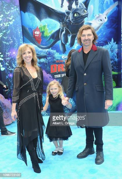 """Robin Atkin Downes, Michael Ann with daughter Natasha arrive for Universal Pictures and DreamWorks Animation premiere of """"How To Train Your Dragon:..."""