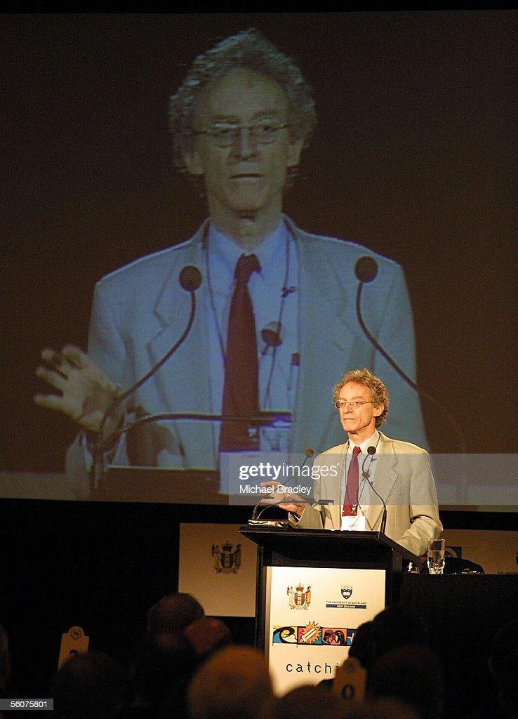 Robin Batterham, Chief Scientist from Australia speaks at the ...