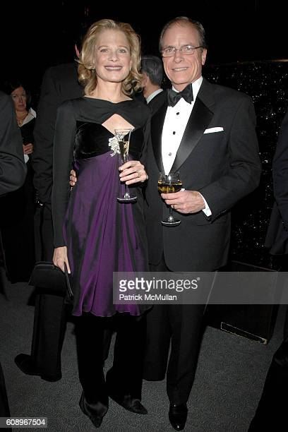 Robin Bell and Paul Hale attend FRENCHAMERICAN FOUNDATION GALA DINNER at The Four Seasons Restaurant on November 7 2007 in New York City