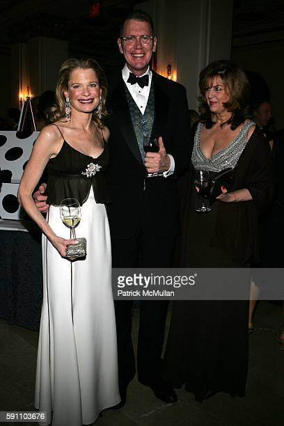 Robin Bell Thomas Jane and Carol Belladora attend ASPCA Hosts the Eighth Annual Bergh Ball 'In The Dog House' at The Plaze on April 21 2005 in New...