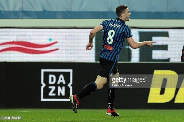 Robin Gosens of Atalanta B.C. Celebrates after scoring their side's first goal during the Serie A match between Atalanta BC and FC Crotone at Gewiss...