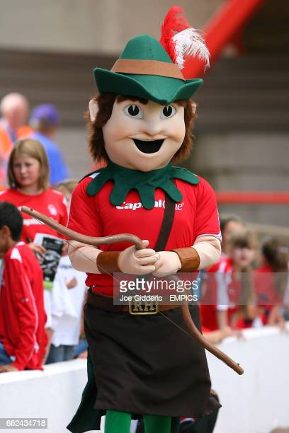 Robin Hood Nottingham Forest mascot