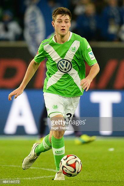 Robin Knoche of Wolfsburg controls the ball during the Bundesliga match between VfL Wolfsburg and Hertha BSC Berlin at Volkswagen Arena on February...