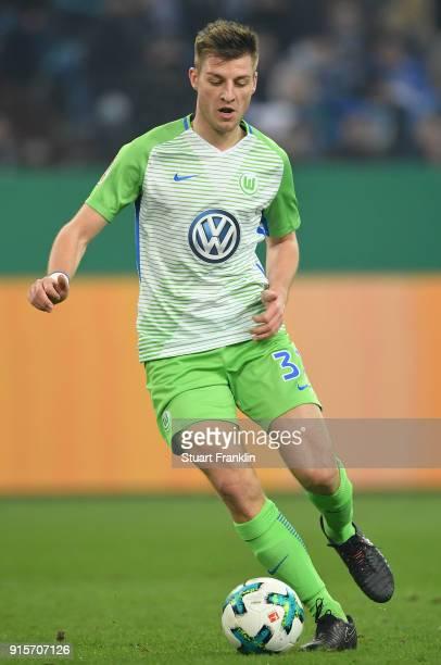 Robin Knoche of Wolfsburg in action during the DFB Pokal quarter final match between FC Schalke 04 and VfL Wolfsburg at VeltinsArena on February 7...