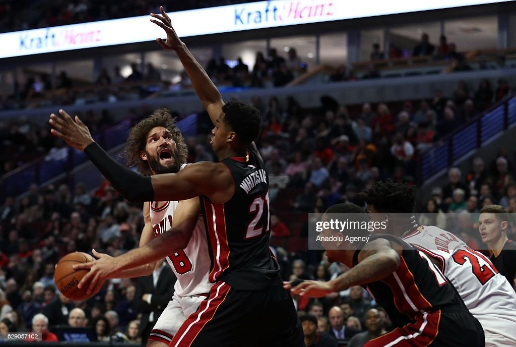 Robin Lopez of Chicago Bulls in action during the NBA match between Miami Heat and Chicago Bulls on December 10, 2016 at the United Center in Chicago, Illinois.