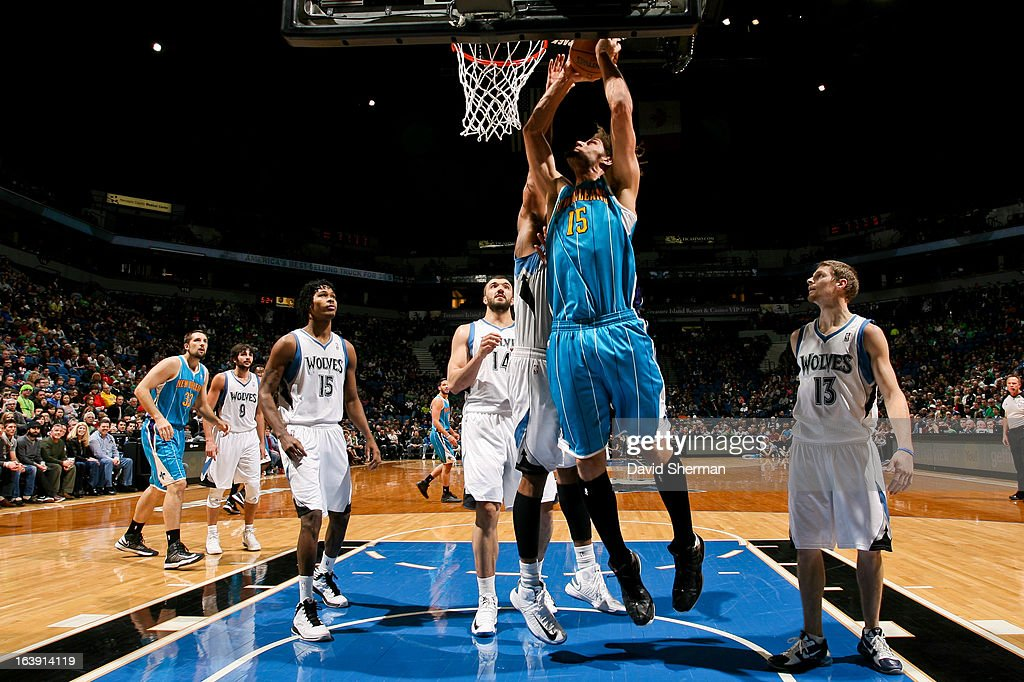 Robin Lopez #15 of the New Orleans Hornets drives to the basket against the Minnesota Timberwolves on March 17, 2013 at Target Center in Minneapolis, Minnesota.