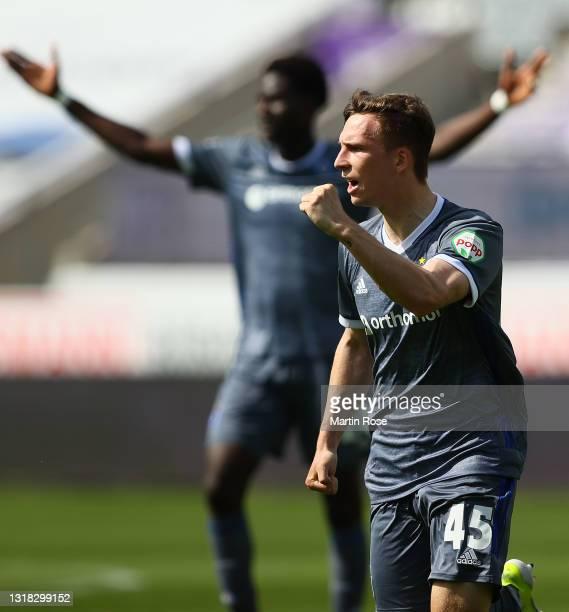 Robin Meissner of Hamburger SV celebrates after scoring their team's first goal during the Second Bundesliga match between VfL Osnabrück and...
