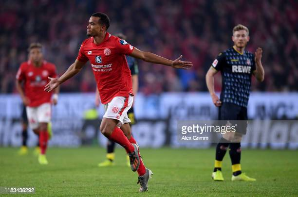 Robin Quaison of 1.FSV Mainz 05 celebrates after he scores their second goal during the Bundesliga match between 1. FSV Mainz 05 and 1. FC Koeln at...