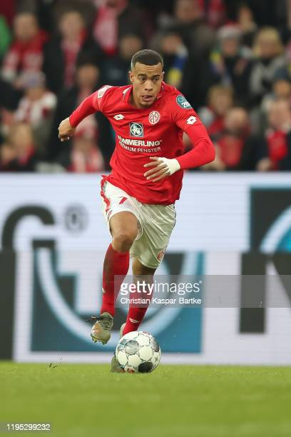 Robin Quaison of 1.FSV Mainz 05 in action during the Bundesliga match between 1. FSV Mainz 05 and Bayer 04 Leverkusen at Opel Arena on December 21,...