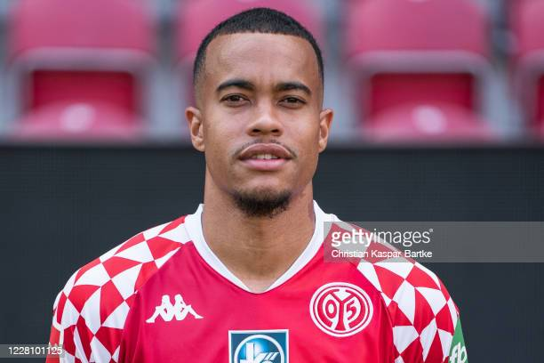 Robin Quaison of 1.FSV Mainz 05 poses during the team presentation at Opel Arena on August 16, 2020 in Mainz, Germany.