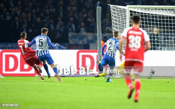Robin Quaison of FSV Mainz 05 Niklas Stark and Peter Pekarik of Hertha BSC during the first Bundesliga game between Hertha BSC and 1st FSV Mainz 05...
