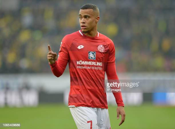 Robin Quaison of Mainz gestures during the Bundesliga match between 1. FSV Mainz 05 and Borussia Dortmund at Opel Arena on November 24, 2018 in...