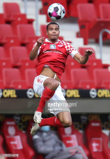 Robin Quaison of Mainz jumps for a header during the Bundesliga match between 1 FSV Mainz 05 and Borussia Moenchengladbach at Opel Arena on October...