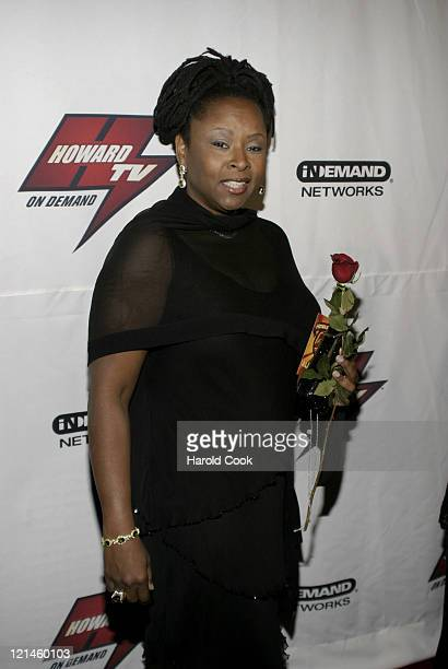 image Howard stern039s robin quivers flashing double g039s