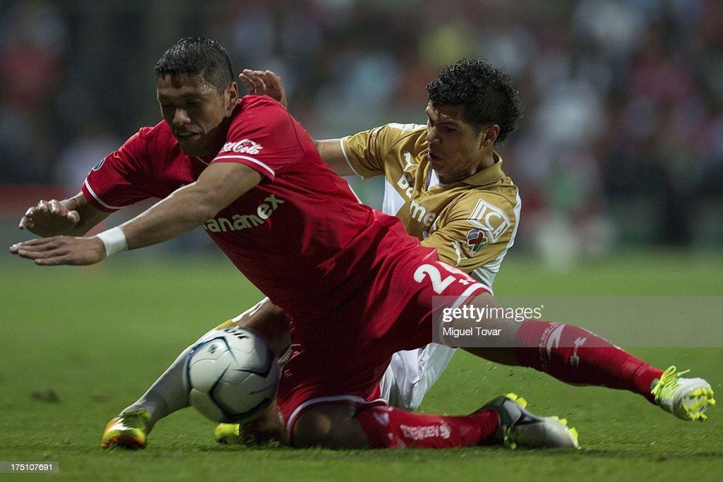 Toluca v Pumas - Torneo Apertura 2013 Liga MX