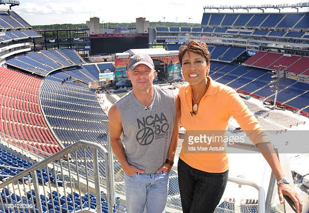 ROBERTS Robin Roberts once again puts on her cowboy boots for an hourlong special ÒIn The Spotlight with Robin Roberts All Access NashvilleÓ which...