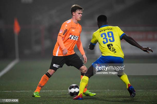 Robin Schouten of FC Volendam Alex Bangura of SC Cambuur during the Dutch Keuken Kampioen Divisie match between FC Volendam v SC Cambuur at the Kras...