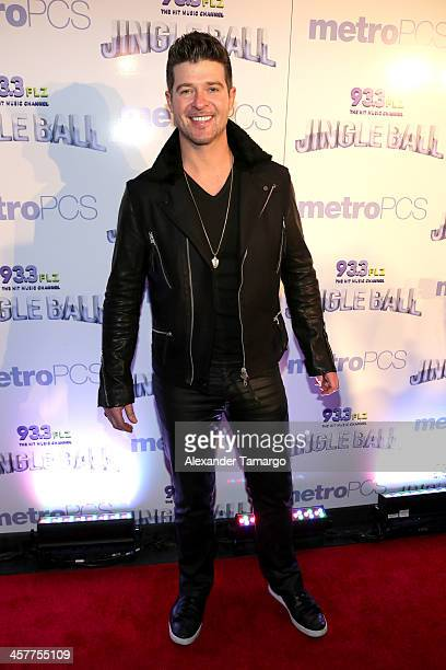 Robin Thicke attends 93.3 FLZ's Jingle Ball 2013 at the Tampa Bay Times Forum on December 18, 2013 in Tampa, Florida.