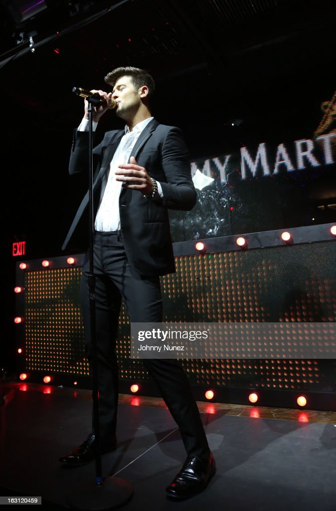 Robin Thicke performs at the Remy Martin V.S.O.P Ringleader Culmination Event with Robin Thicke at Marquee on March 4, 2013 in New York City.