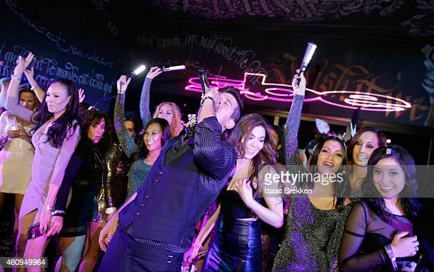 Robin Thicke performs during a New Year's Eve celebration at Foxtail nightclub at SLS Las Vegas on January 1 2015 in Las Vegas Nevada