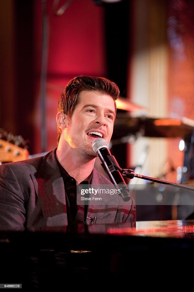 AMERICA - Robin Thicke performs on the set of GOOD MORNING AMERICA; his performance airs Thursday, 12/17/09 on GOOD MORNING AMERICA on the ABC Television Network. GM09 (Photo by Steve Fenn/ABC via Getty Images) ROBIN