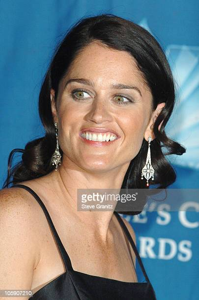 Robin Tunney of 'Prison Break' winner of Favorite New TV Drama