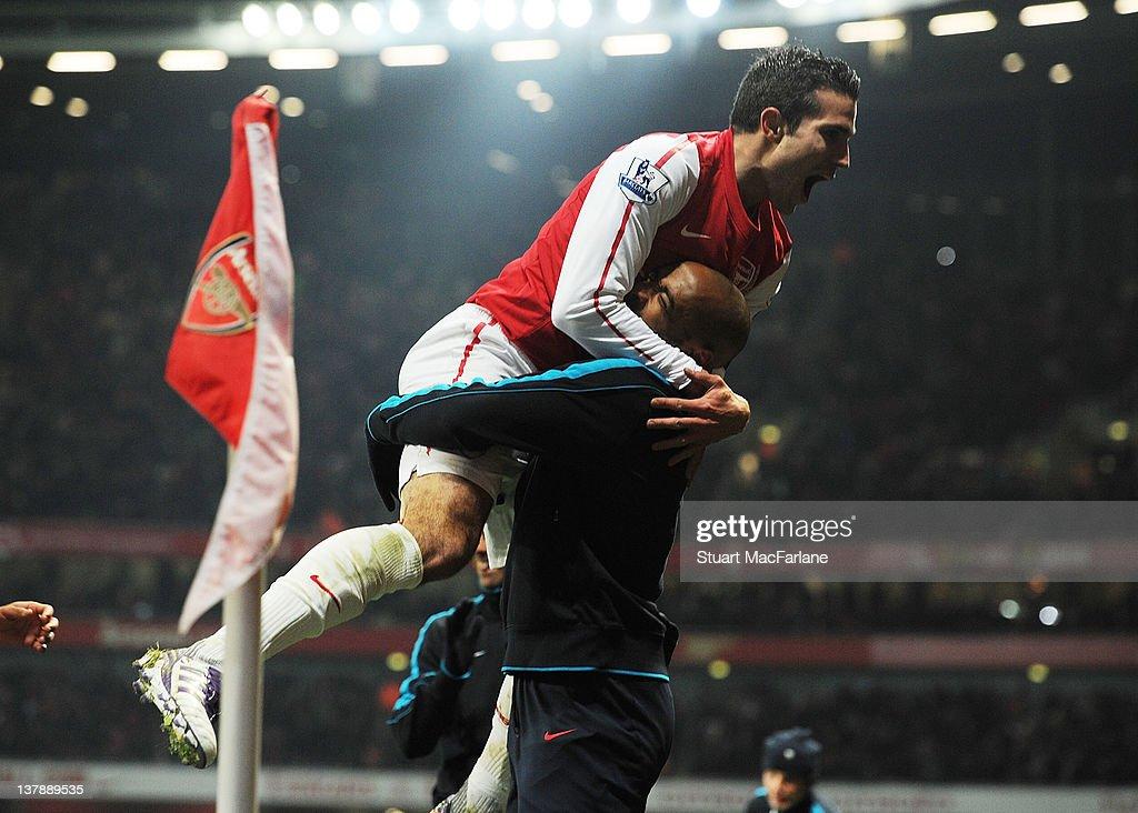 Arsenal v Aston Villa - FA Cup Fourth Round : News Photo