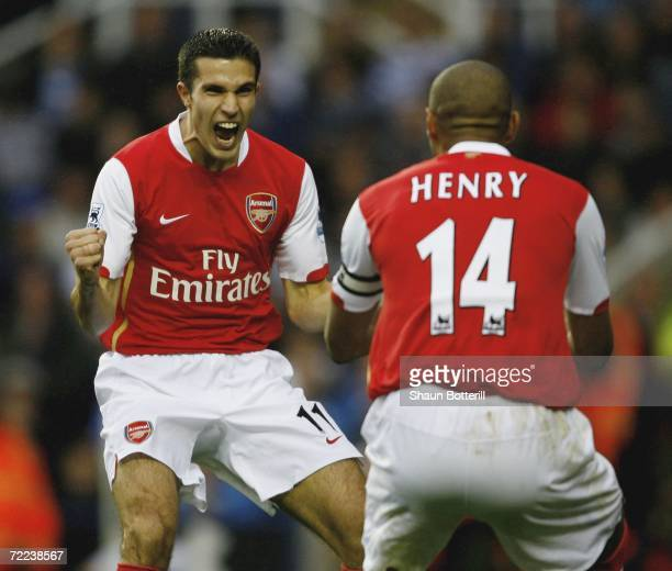 Robin Van Persie of Arsenal celebrates with Thierry Henry after scoring during the Barclays Premiership match between Reading and Arsenal at the...