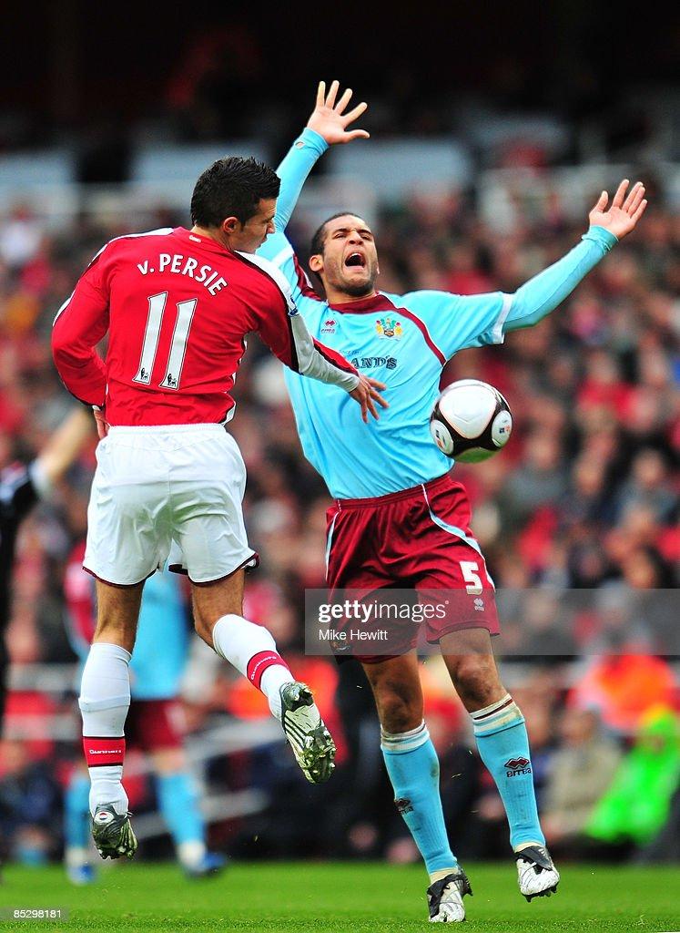 Arsenal v Burnley - FA Cup 5th Round : News Photo