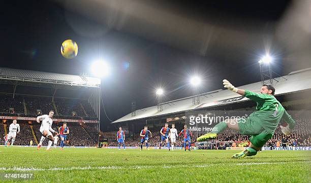 Robin Van Persie of Man United scorreds from the spot during the Barclays Premier League match between Crystal Palace and Manchester United at...