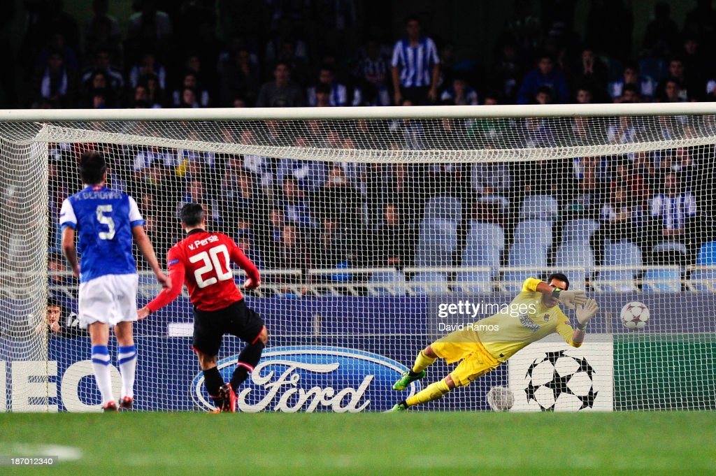 Robin van Persie of Manchester United fails to score from the penalty spot during the UEFA Champions League Group A match between Real Sociedad de Futbol and Manchester United at Estadio Anoeta on November 5, 2013 in San Sebastian, Spain.