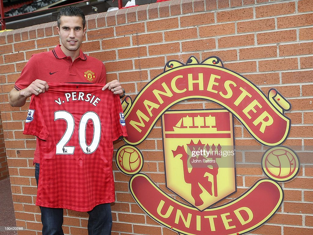 Robin Van Persie Signs For Manchester United FC : News Photo