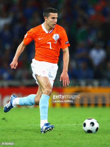 Robin van Persie of Netherlands in action during the Euro 2008 Group C match between Netherlands and Italy at Stade de Suisse Wankdorf on June 9,...